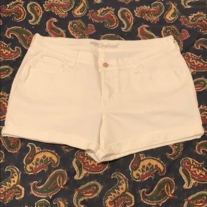 Old Navy Boyfriend White Cuffed Shorts